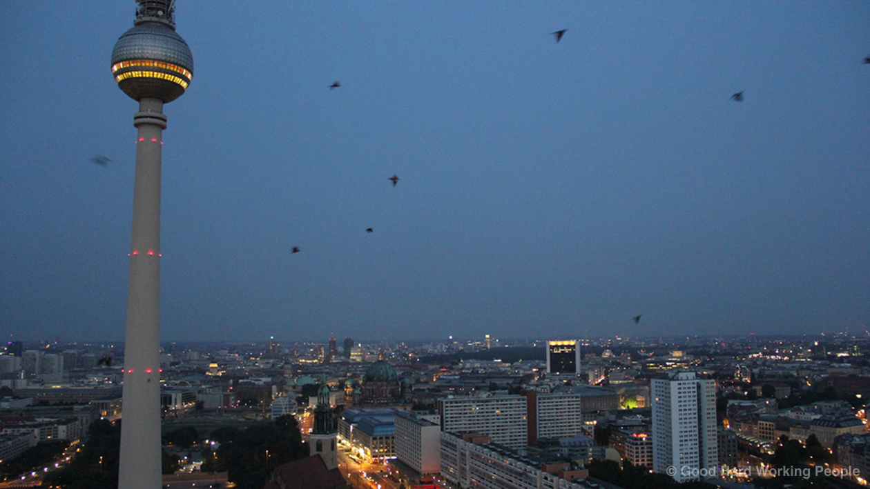 24-Hour Berlin Time Lapse – In A Berlin Minute (Week 121)