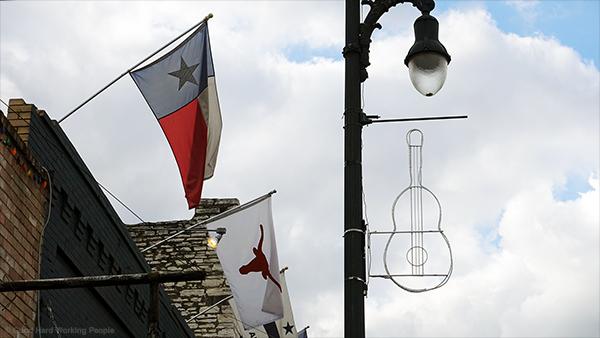 MIN_241_Austin_flags_s