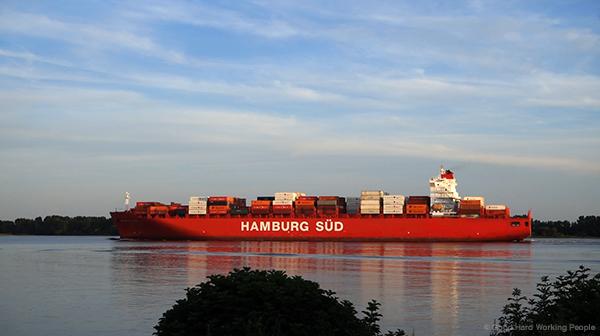 MIN 277_Elbe River Ships_Hamburg Sued_s