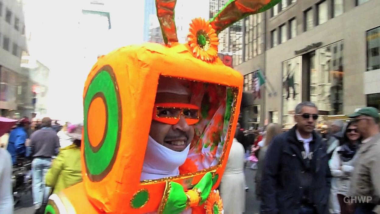 MIN_102 Easter Bonnet Parade_NYC_Robot