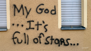Graffiti Text Slogans - In A Berlin Minute (Week 145)
