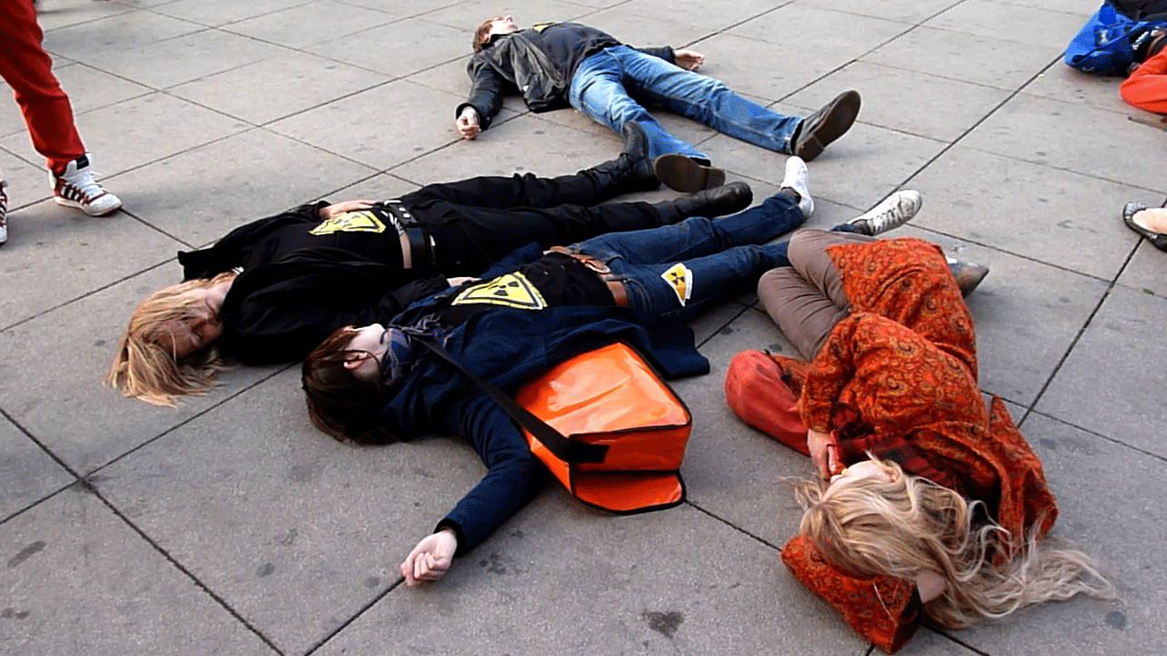 MIN_Week 50_Flashmob_Die_In