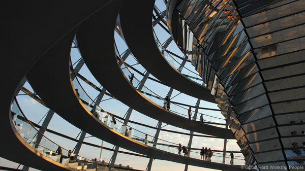 MIN_170 Reichstag_spiral big_s